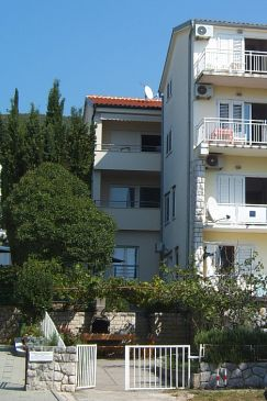 Property Dramalj (Crikvenica) - Accommodation 5597 - Apartments near sea with pebble beach.