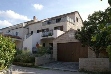 Property Splitska (Brač) - Accommodation 5608 - Apartments in Croatia.