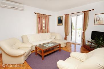Apartment A-5628-a - Apartments Supetar (Brač) - 5628