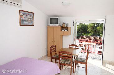 Studio flat AS-5629-a - Apartments Sutivan (Brač) - 5629