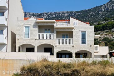 Property Bol (Brač) - Accommodation 5631 - Apartments with pebble beach.
