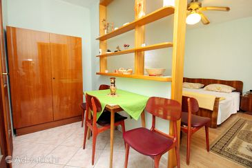 Studio flat AS-5638-a - Apartments Sumartin (Brač) - 5638