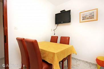 Apartment A-5640-a - Apartments Bol (Brač) - 5640