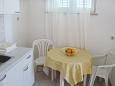 Dining room - Studio flat AS-5641-b - Apartments Bol (Brač) - 5641