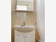Bathroom - Studio flat AS-5641-b - Apartments Bol (Brač) - 5641