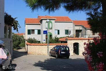 Property Supetar (Brač) - Accommodation 5648 - Apartments with pebble beach.