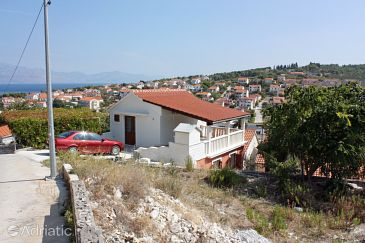 Property Sutivan (Brač) - Accommodation 5654 - Apartments with pebble beach.