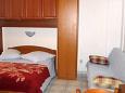 Sućuraj, Bedroom u smještaju tipa studio-apartment, dostupna klima i WIFI.