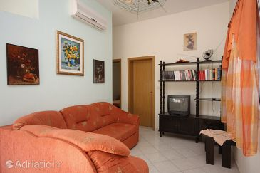 Apartment A-5680-a - Apartments Sućuraj (Hvar) - 5680