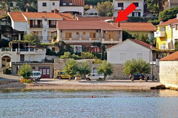 Property Jelsa (Hvar) - Accommodation 5691 - Apartments near sea with pebble beach.