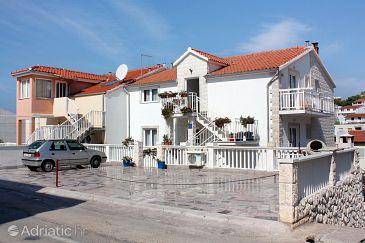 Property Hvar (Hvar) - Accommodation 5705 - Apartments with pebble beach.