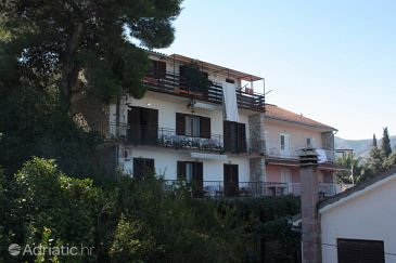 Property Jelsa (Hvar) - Accommodation 5728 - Apartments with sandy beach.