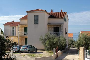 Property Brodarica (Šibenik) - Accommodation 5736 - Apartments near sea with pebble beach.