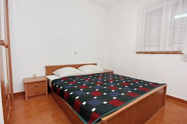 Ražanac, Bedroom u smještaju tipa room, dopusteni kucni ljubimci.