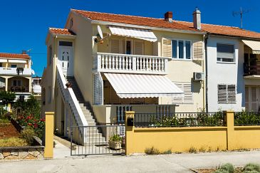 Property Zadar (Zadar) - Accommodation 5773 - Apartments with sandy beach.
