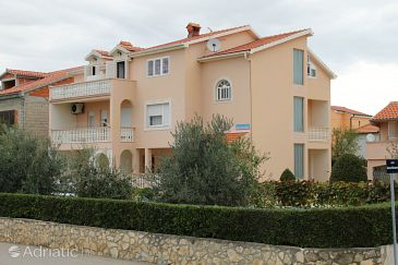 Vrsi - Mulo, Zadar, Property 5796 - Apartments with pebble beach.