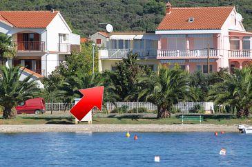 Obiekt Sukošan (Zadar) - Zakwaterowanie 5802 - Apartamenty blisko morza ze żwirową plażą.