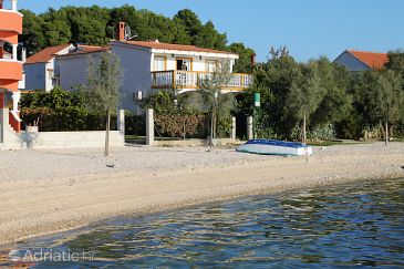 Property Bibinje (Zadar) - Accommodation 5810 - Apartments near sea with pebble beach.