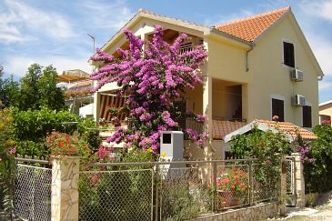 Property Sabunike (Zadar) - Accommodation 5812 - Apartments with sandy beach.