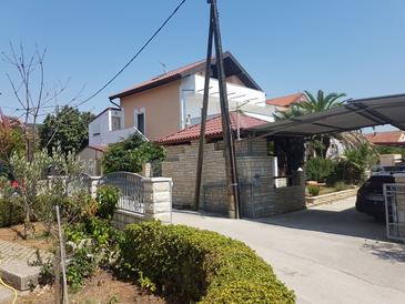 Sukošan, Zadar, Property 5820 - Apartments with pebble beach.