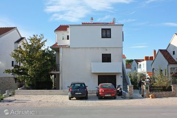 Property Biograd na Moru (Biograd) - Accommodation 5847 - Apartments with pebble beach.