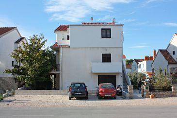 Obiekt Biograd na Moru (Biograd) - Zakwaterowanie 5847 - Apartamenty ze żwirową plażą.