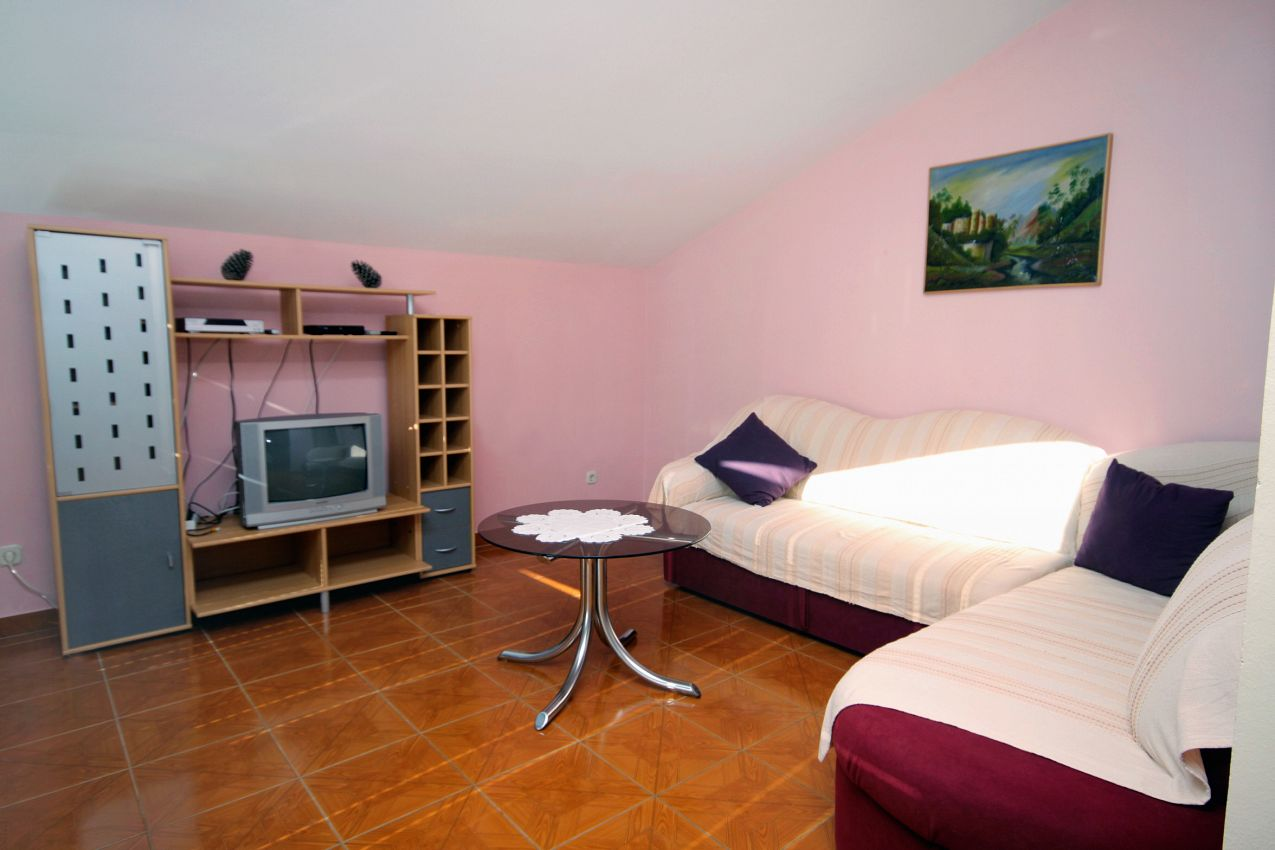 Apartmány s parkoviskom v meste Vrsi - Mulo - 5848