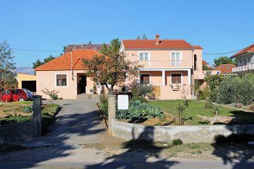Obiekt Privlaka (Zadar) - Zakwaterowanie 5849 - Apartamenty z piaszczystą plażą.