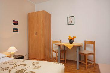 Sukošan, Dining room u smještaju tipa studio-apartment, WIFI.