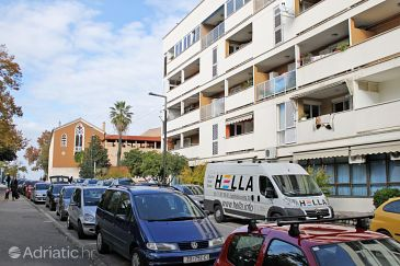 Property Zadar (Zadar) - Accommodation 5869 - Apartments near sea.