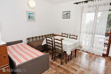 Apartment A-5884-c - Apartments Nemira (Omiš) - 5884