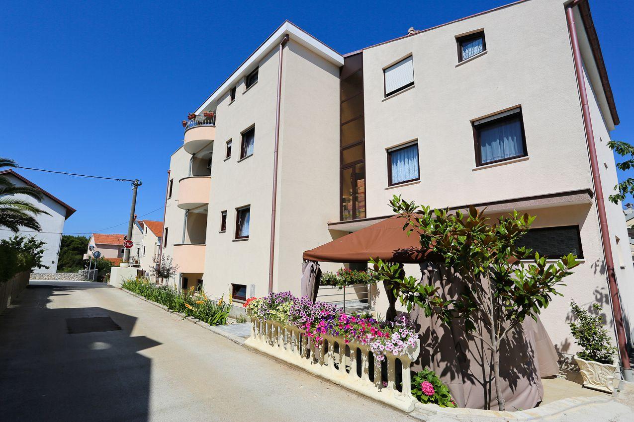 Apartmány s parkoviskom v meste Zadar - Diklo - 5887