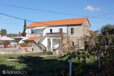 Property Sukošan (Zadar) - Accommodation 5928 - Apartments with pebble beach.