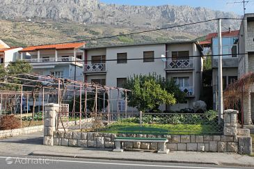 Property Sumpetar (Omiš) - Accommodation 5983 - Apartments near sea with pebble beach.