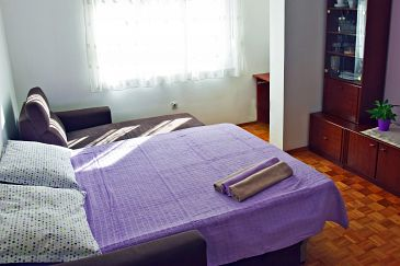 Apartment A-5988-a - Apartments Omiš (Omiš) - 5988