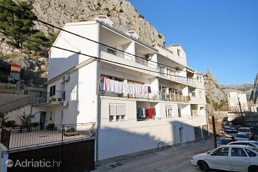 Property Omiš (Omiš) - Accommodation 5988 - Apartments with sandy beach.