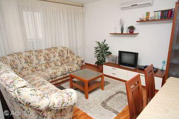 Apartment A-5989-a - Apartments Omiš (Omiš) - 5989