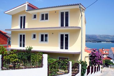 Property Mastrinka (Čiovo) - Accommodation 5997 - Apartments near sea with pebble beach.