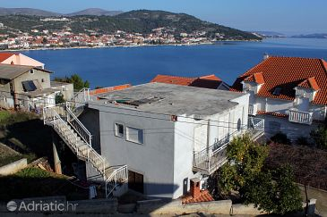 Property Poljica (Trogir) - Accommodation 6019 - Apartments near sea with pebble beach.