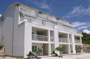 Komarna, Ušće Neretve, Property 6025 - Apartments blizu mora.