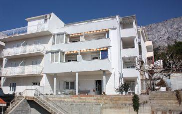Obiekt Nemira (Omiš) - Zakwaterowanie 6070 - Apartamenty ze żwirową plażą.