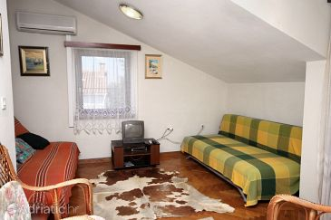 Apartment A-6102-a - Apartments Petrčane (Zadar) - 6102