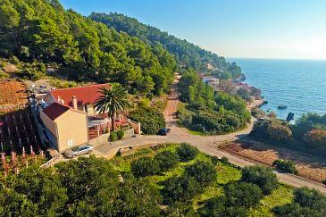 Property Uvala Tvrdni Dolac (Hvar) - Accommodation 6112 - Apartments near sea with pebble beach.