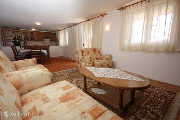 Apartment A-6117-a - Apartments Vinišće (Trogir) - 6117