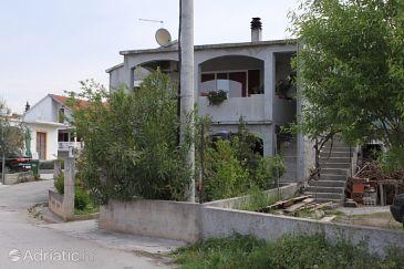 Property Bibinje (Zadar) - Accommodation 6129 - Apartments with pebble beach.