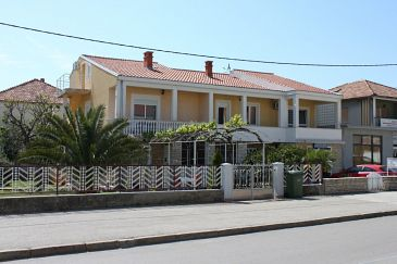 Property Zadar (Zadar) - Accommodation 6132 - Apartments with pebble beach.