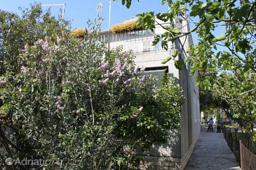 Property Sukošan (Zadar) - Accommodation 6133 - Apartments near sea with rocky beach.