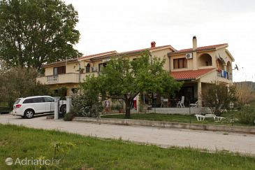 Property Ljubač (Zadar) - Accommodation 6134 - Apartments with sandy beach.