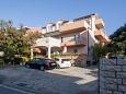 Parking lot Brodarica (Šibenik) - Accommodation 6150 - Apartments with pebble beach.