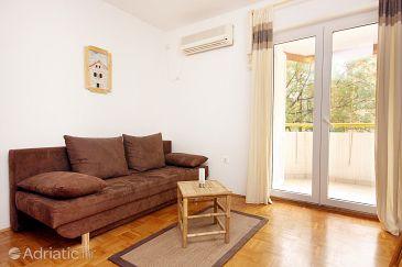 Biograd na Moru, Living room u smještaju tipa apartment, dostupna klima.